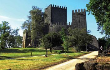 Historic Guimarães City Tour