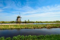 netherlands rural landscape with windmills